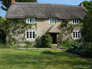 Beautiful thatched cottage in lovely Dorset