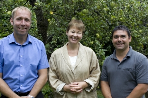 Caroline Lucas MP with South Downs Solar directors Michael Yeoman (L) and Daniel Lawes (R)