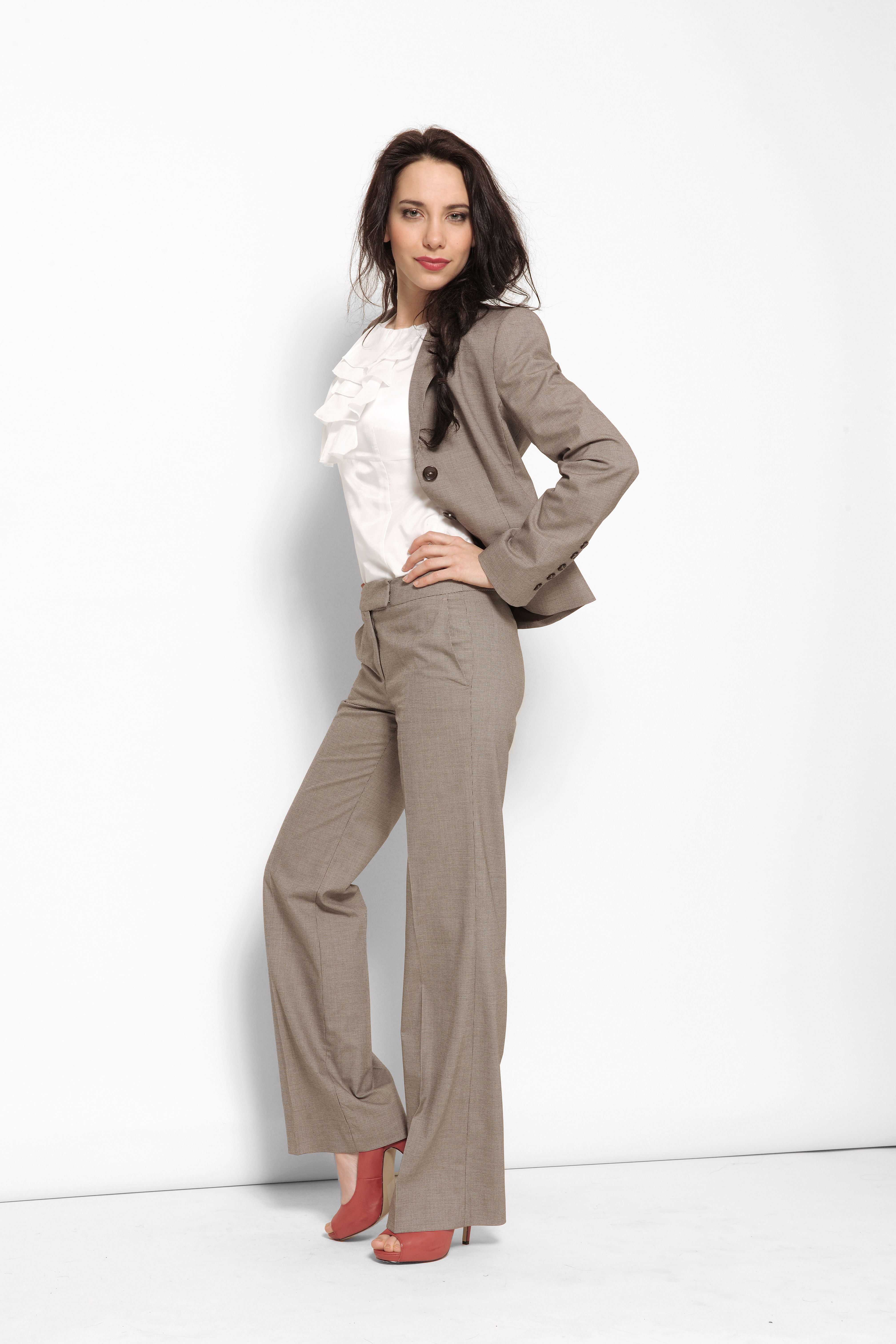 WearItToWork... Fashionable Business Attire For Young Women
