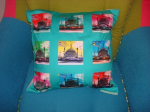 Green pop art Acid Pavilion cushion