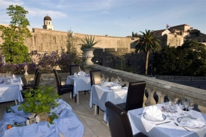 Posat restaurant terrace - click for high res image