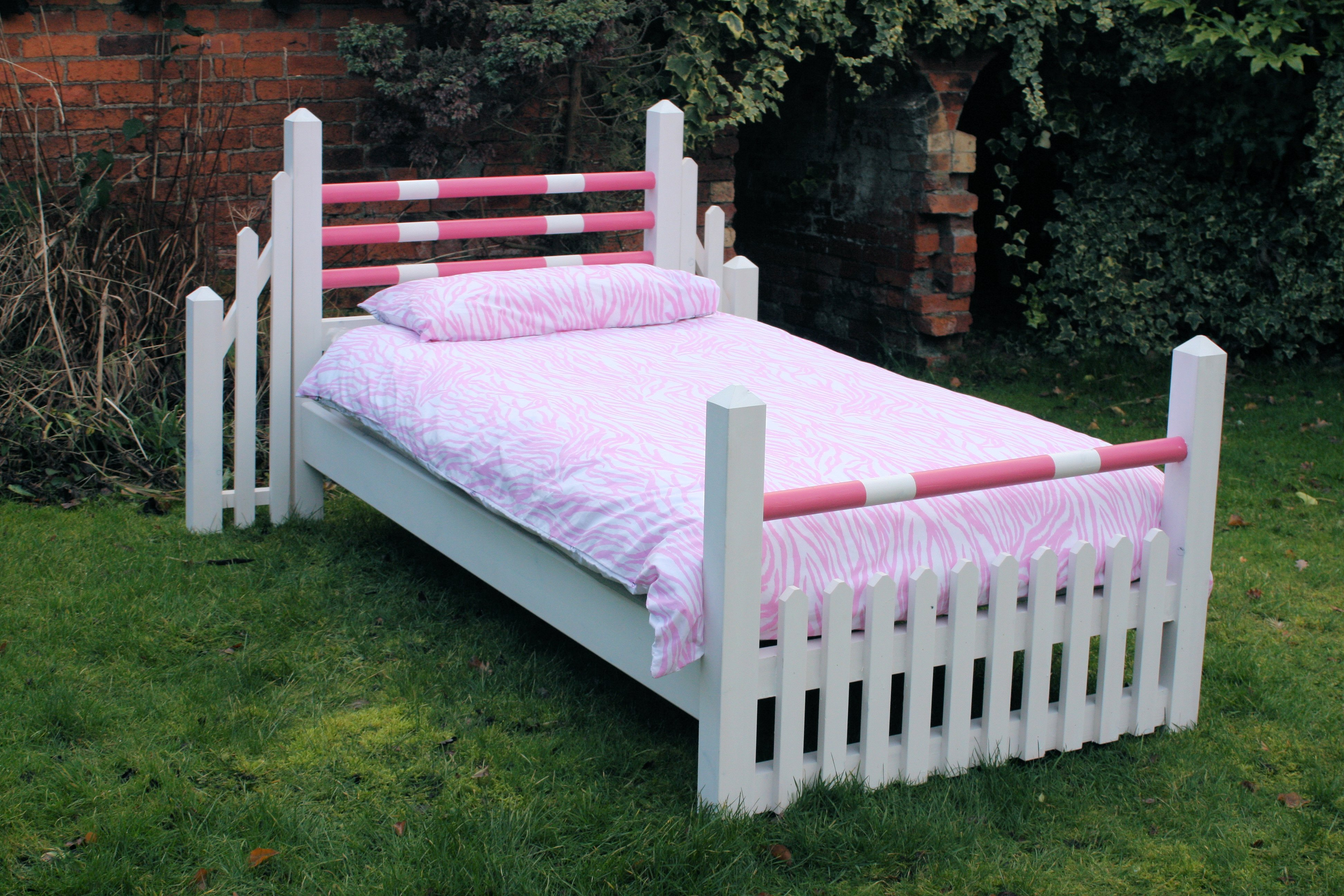 Hand Made Beds ~ Handmade pony bed in pink