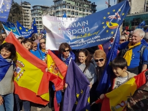 Bremain in Spain members at Unite for Europe March, London - click for high res image