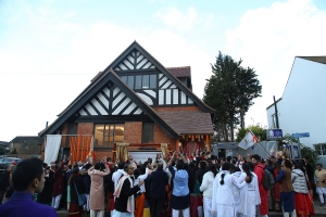 Thousands of guests eagerly await the inauguration of the London Spiritual Centre