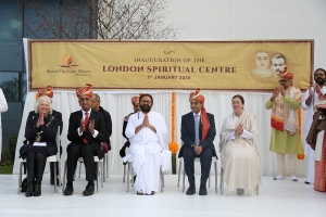 The occasion was graced by the presence of Pujya Gurudevshri Rakeshbhai- Founder Shrimad Rajchandra Mission Dharampur and several dignitaries   L to R Mayor for Hertsmere, Councillor Brenda Batten  The Lord Dolar Popat of Harrow  Pujya Gurudevshri Ra